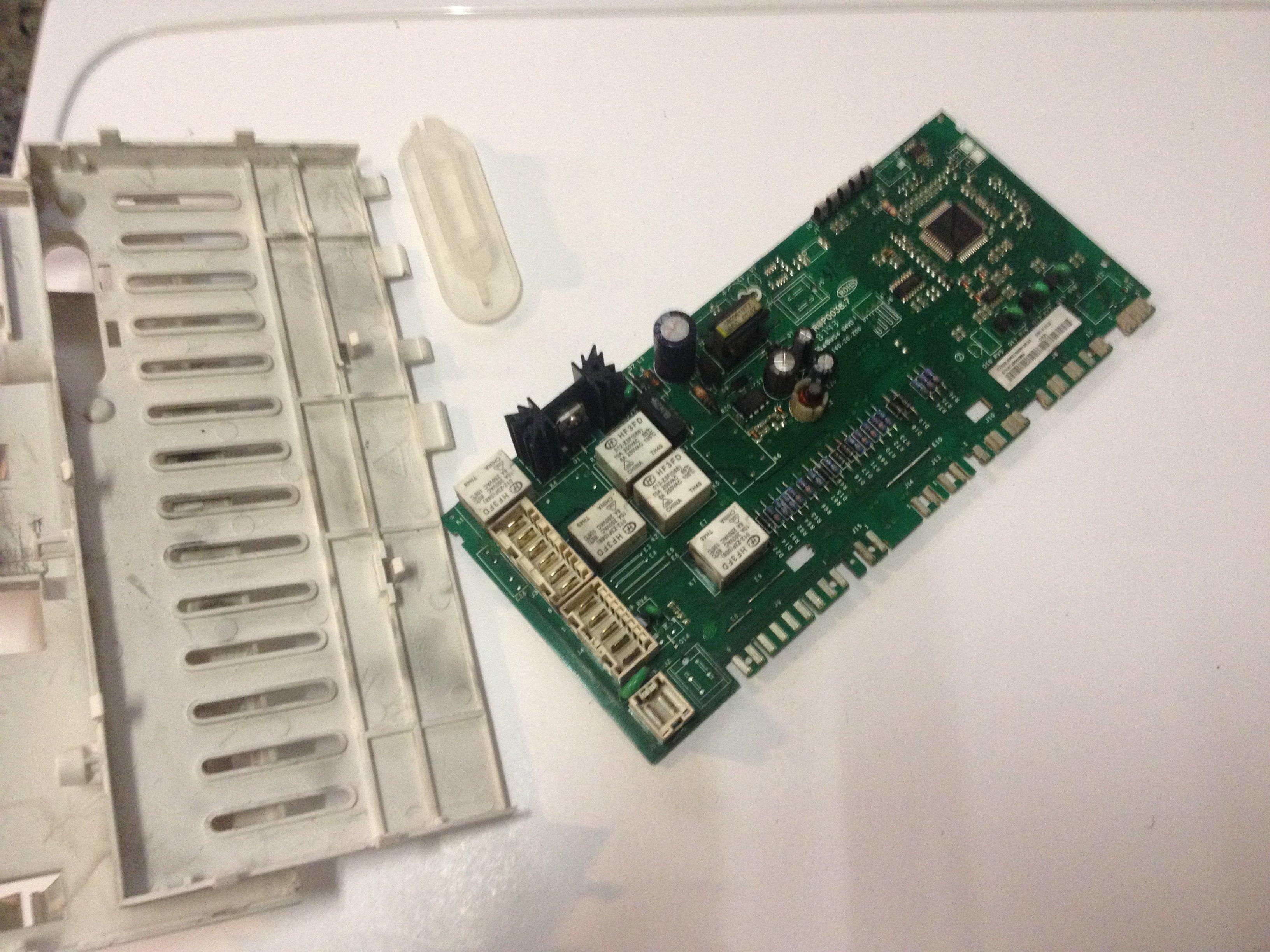 Schema Elettrico Lavatrice Candy : Scheda elettronica difetti e funzionamento riparodasolo